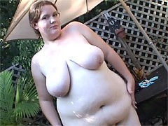 Horny bbw big sophie playing herself