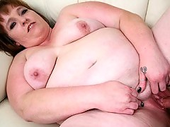 Mature blonde bitch having her fat cunt drilled by a condomed cock