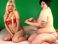 Chubby babe milla playing with her gf